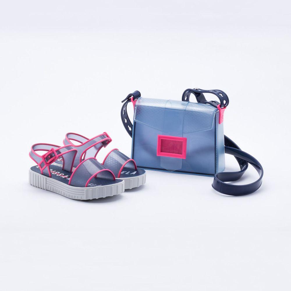 c6ac87c5d7 Sandália Grendene Infantil Larissa Manoela Fashion Bag Azul. REF   354892-2001054577. Previous